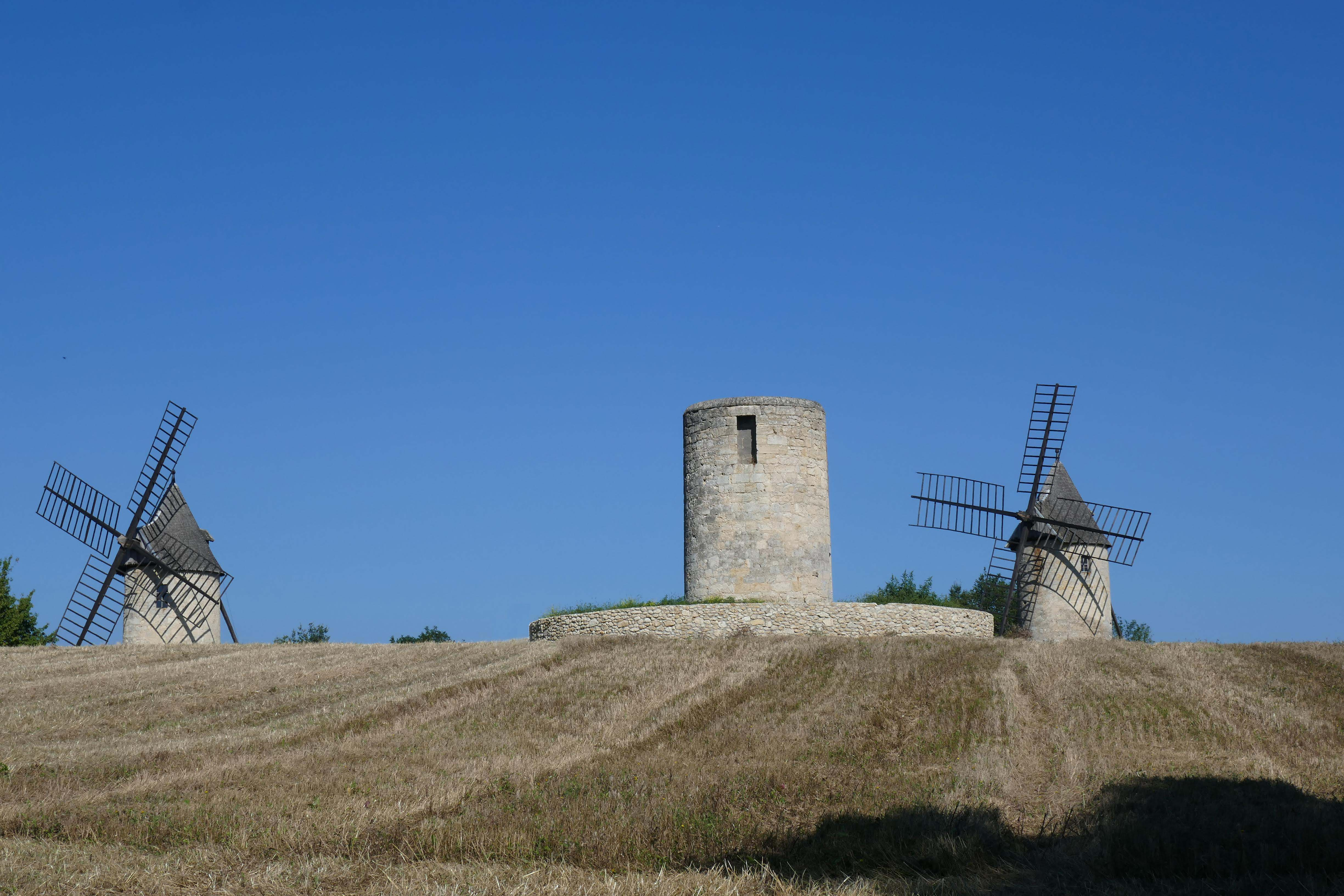 Windmills and a pigonnier in Gascony