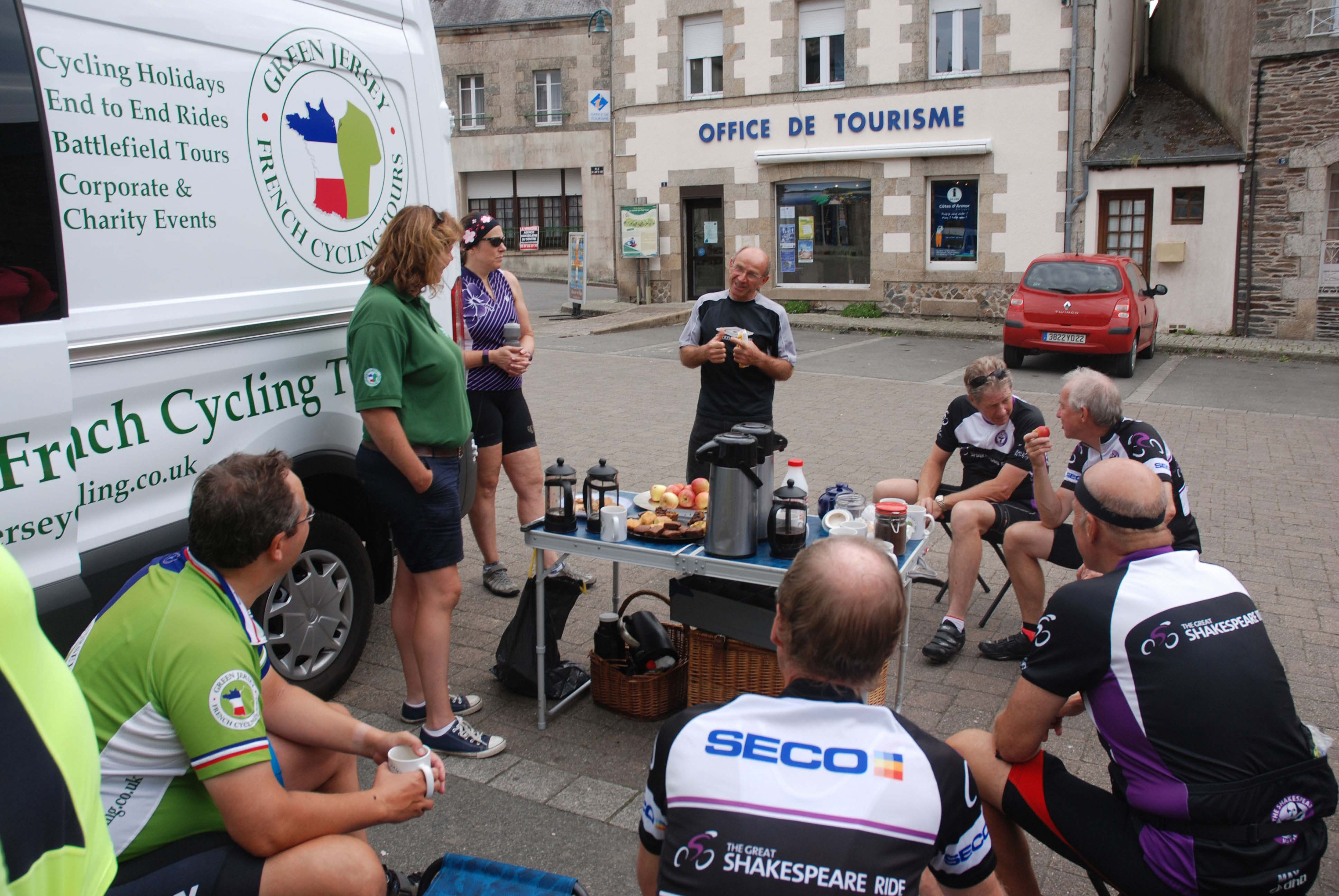 Coffee with a Tour de France white jersey winner in Brittany