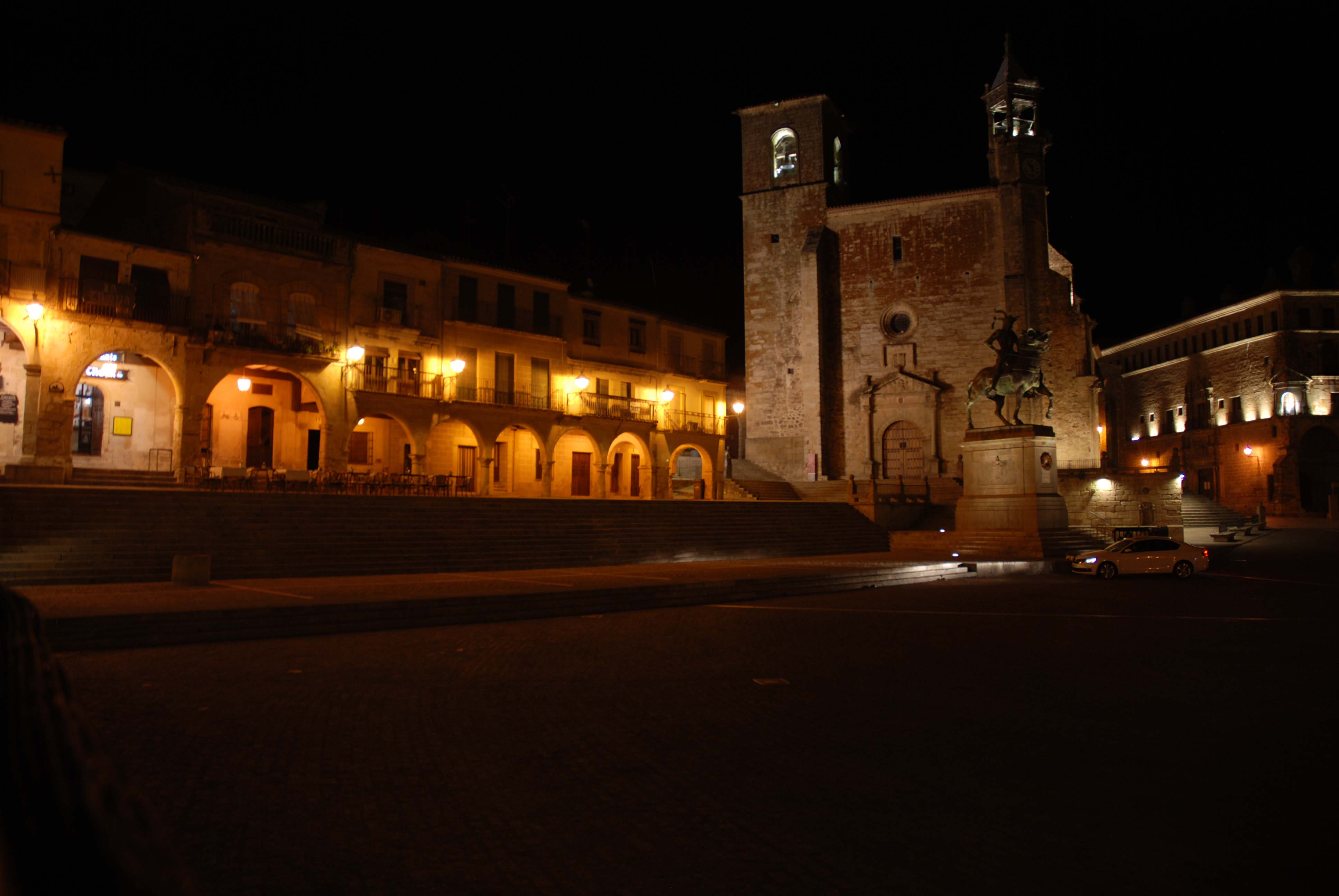 Trujillo by night