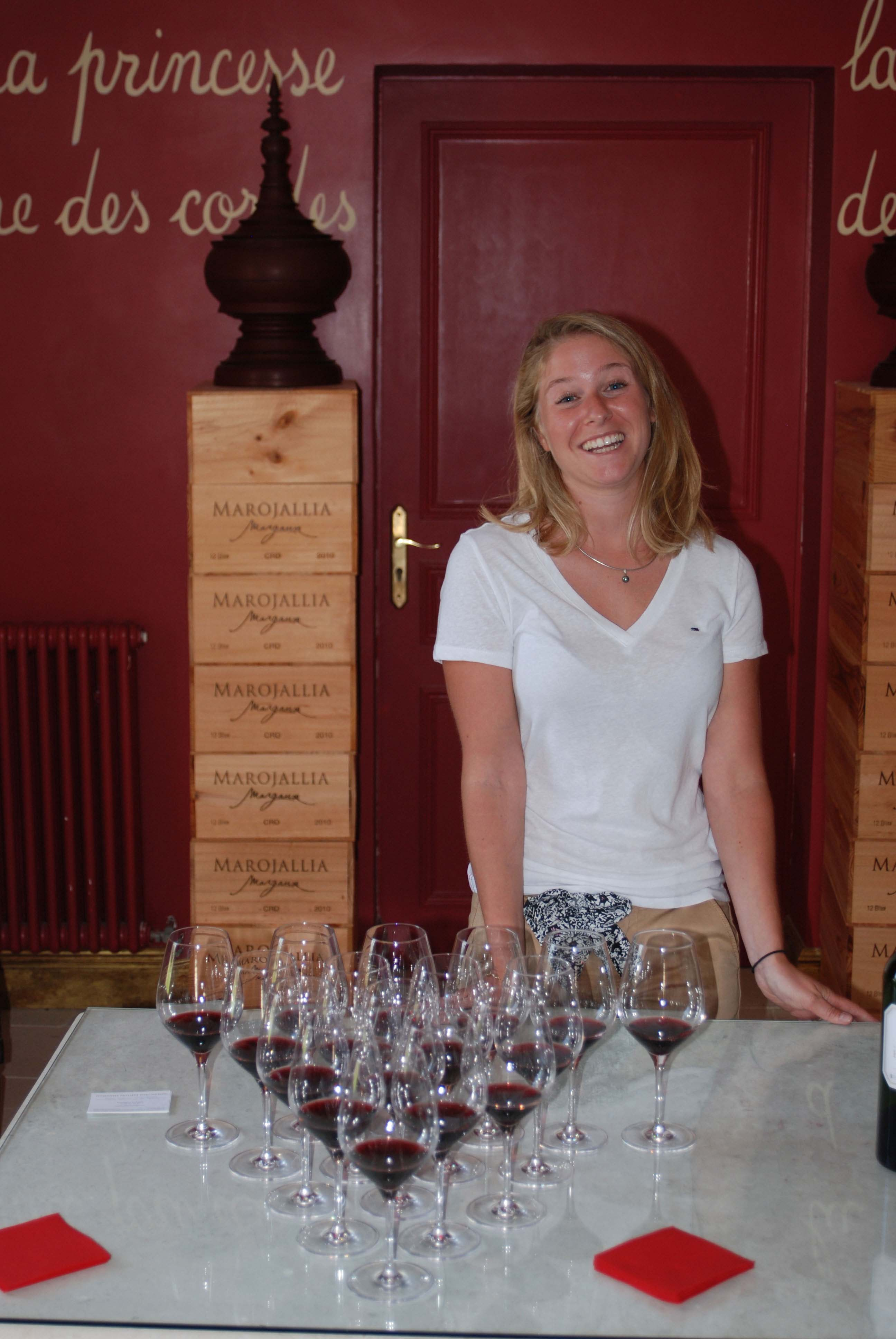 Enjoy a wine tasting in Bordeaux after your day cycling